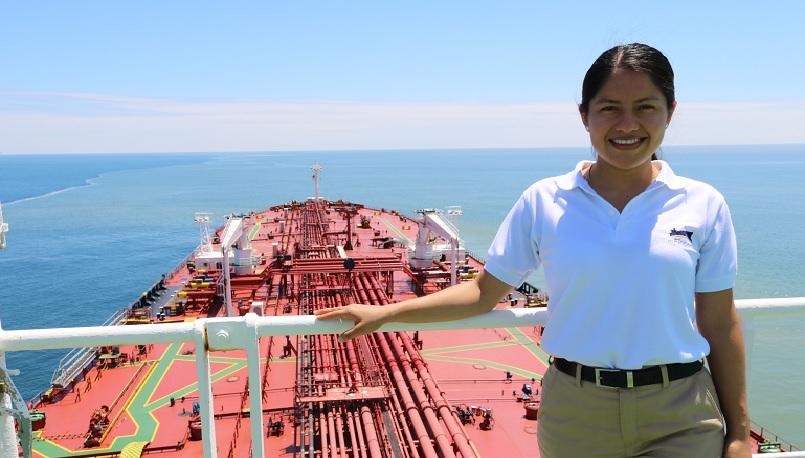 Sthefany Castro, su pasión la Marina Mercante