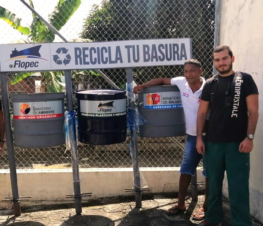 Campaña de concienciación ambiental con dotación de módulos triples para recolección de basura clasificada.